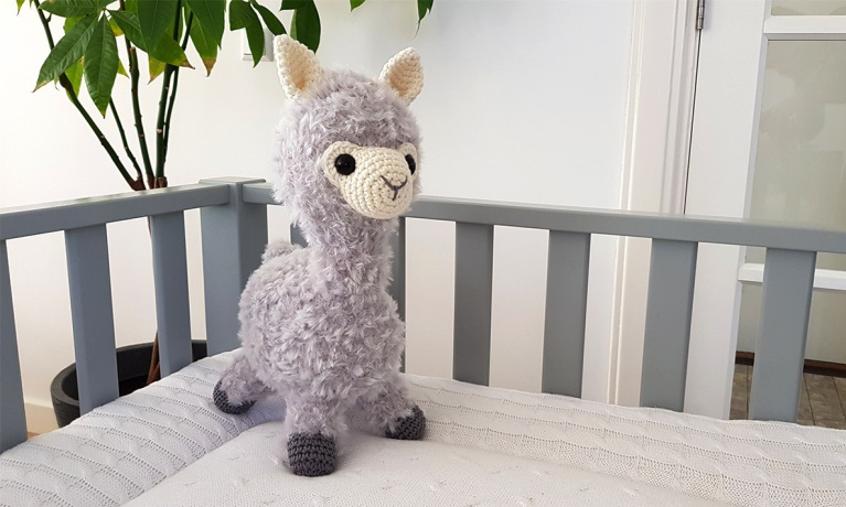 Alpaca Almina - gehaakt met Durable Furry en Durable Cosy fine